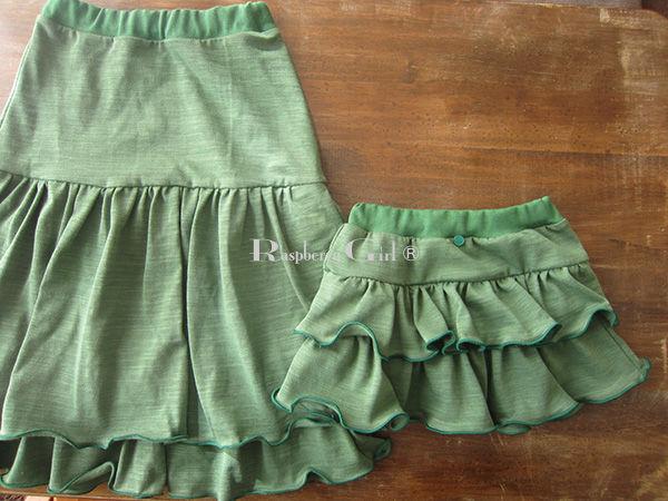 親子コーデグリーンのニットスカート